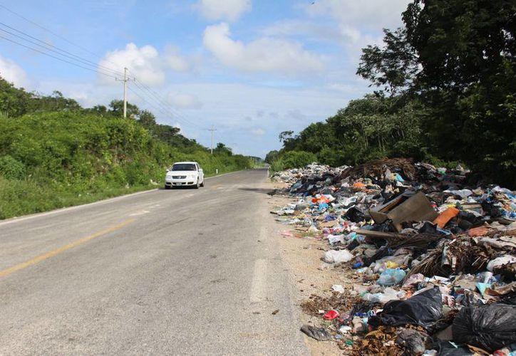 La basura en las calles y la falta de camiones recolectores es una de las principales quejas de los habitantes. (Benjamín/ Pat)