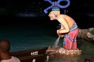 Canoeros salen al encuentro de la diosa Ixchel
