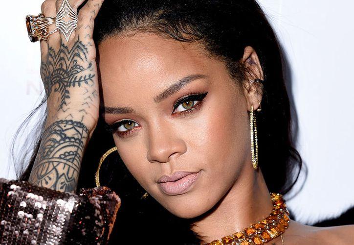 Rihanna publicó foto de su 'outfit' en su cuenta oficial de Instagram. (Foto: Internet)