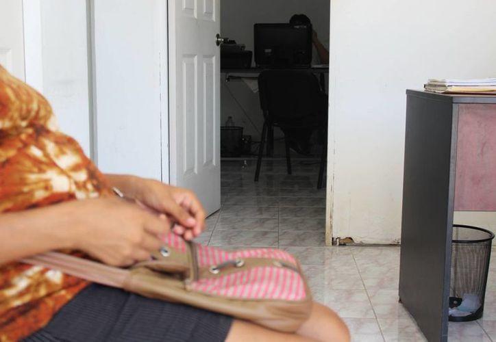 Mujer con ocho meses de embarazo se queda sin trabajo al ser despedida. (Sara Cauich/SIPSE)
