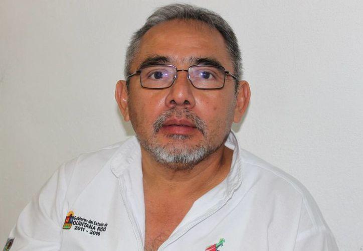 Félix Montes Casanova dijo que los cigarros falsos son altamente cancerígenos. (Adrián Barreto/SIPSE)