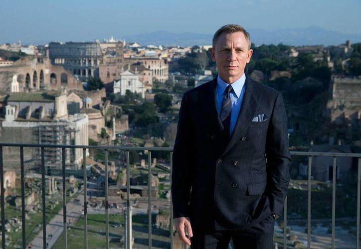El actor Daniel Craig dijo en entrevista que ya tuvo suficiente con James Bond, porque lo que prefiere 'cortarse las venas' antes que retomar el papel de 007. (Archivo/AP)