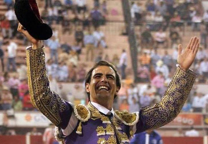 El mexicano Arturo Macías se presentará este domingo en la Temporada Grande cuando lidie, junto a Juan Pablo Sánchez y Alejandro Talavante, al encierro de Campo Real. (Imagen tomada de yodeportivo.com)