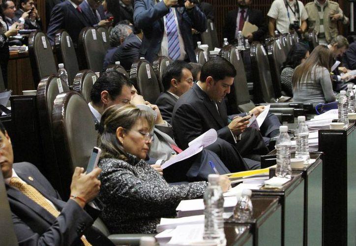 Actualmente, más del 30 por ciento de la Cámara de diputados está conformada por mujeres. (Excelsior)