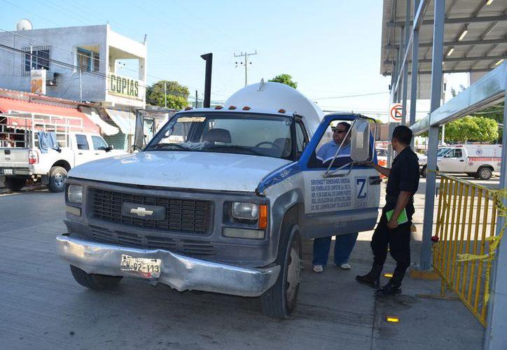 Habitantes piden la intervención de la Profeco para que supervise a los distribuidores de gas. (Carlos Castillo/SIPSE)