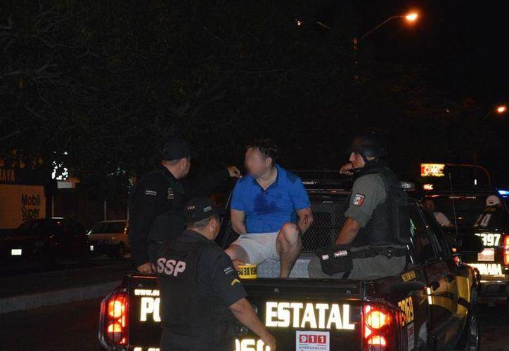 La policía detuvo a una persona, acusada de atacar con un machete a otra, en Kanasín. (Carlos Navarrete/SIPSE)