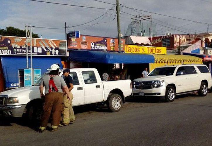 Los hechos se registraron la mañana de este martes en un local de venta de comida, en la colonia Adolfo López Mateos. (SIPSE)
