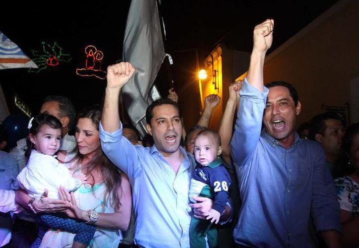 Las falicitaciones no se hicieron esperar por parte de integrantes de Acción Nacional. (SIPSE)