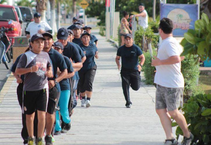 Actualmente los 40 cadetes perciben un salario mensual de seis mil pesos y una vez contratados subirá a ocho mil 734 pesos. (Gustavo Villegas/SIPSE)