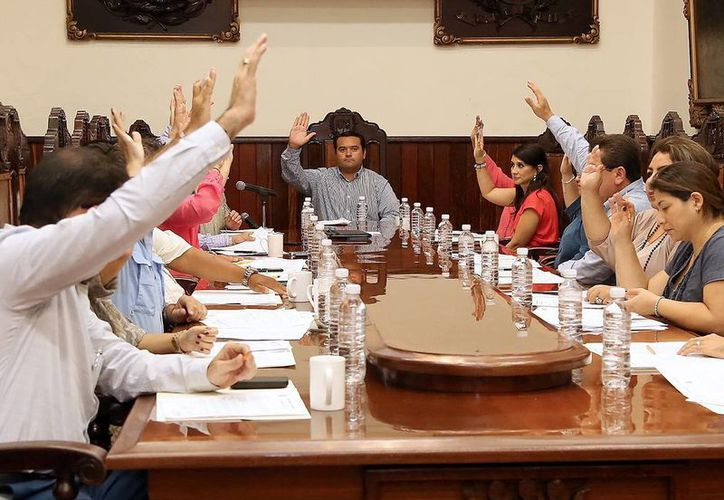 El Cabildo meridano aprobó diversos acuerdos en la sesión de ayer. (Milenio Novedades)