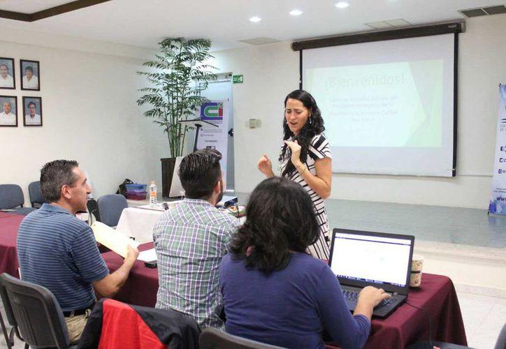 Durante el evento se discutieron diversos sectores más de 20 propuestas sobre el primer borrador del Programa de Manejo de la Reserva de la Biosfera del Caribe Mexicano. (Daniel Pacheco/SIPSE)