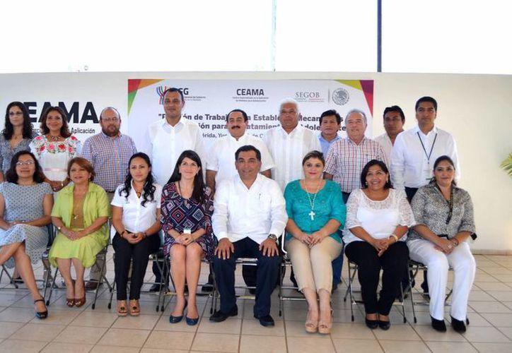 Reunión de trabajo para establecer mecanismos de colaboración para el tratamiento del adolescente de Yucatán. (Milenio Novedades)