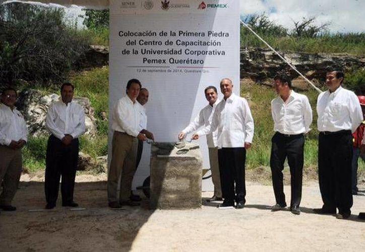 Emilio Lozoya indicó que la Universidad Pemex se establecerá en Querétaro por su fuerte dinamismo industrial e infraestructura educativa. (Twitter.com/@EmilioLozoyaAus)
