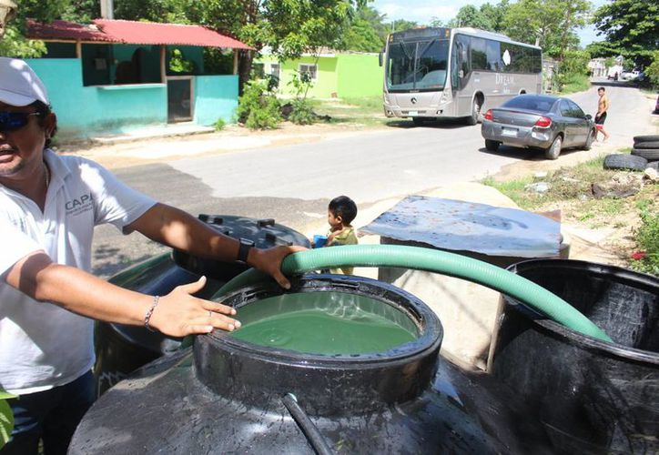 Colonias Javier Rojo Gómez y Juan Bautista Vega se quedaron ayer y hoy sin el servicio de agua potable. (Benjamín Pat/SIPSE)