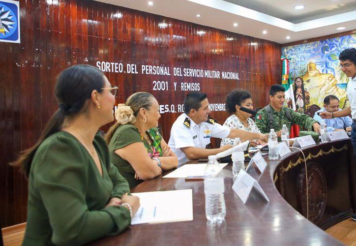 Isla Mujeres realiza sorteo de conscriptos del Servicio Militar - Sipse.com