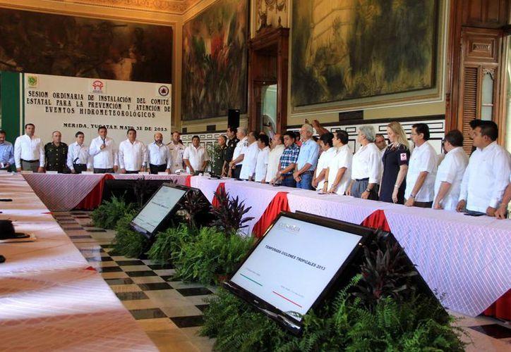 Autoridades de los tres niveles y sociedad civil se hicieron presentes. (José Acosta/SIPSE)