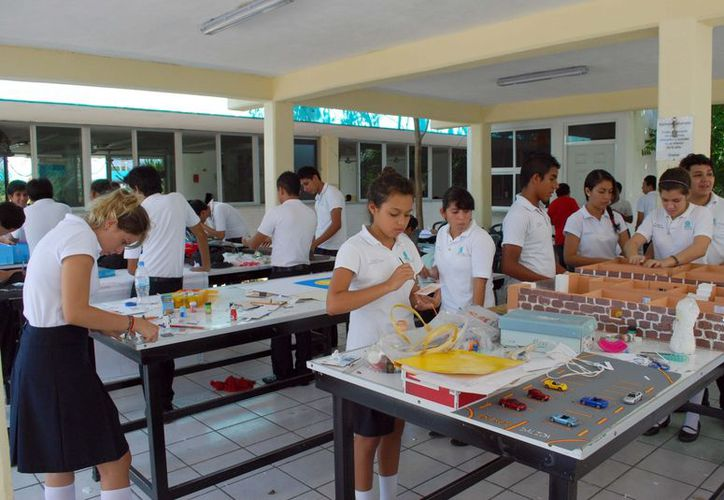Los municipios de Benito Juárez y Solidaridad registran incremento en su matrícula escolar cada inicio de clases. (Tomás Álvarez/SIPSE)