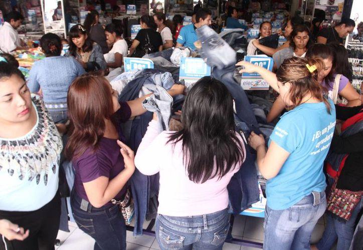 Aspecto de las ventas en la semana previa a la Navidad, en Mérida. (SIPSE)