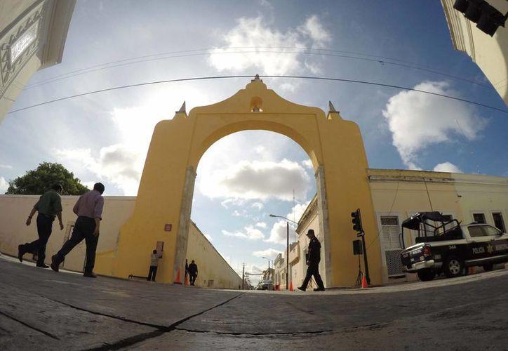 Ya está arreglado el Arco de Dragones, lo cual forma parte de un proyecto integral de rescate al Centro Histórico de Mérida. (Fotos cortesía del Ayuntamiento de Mérida)