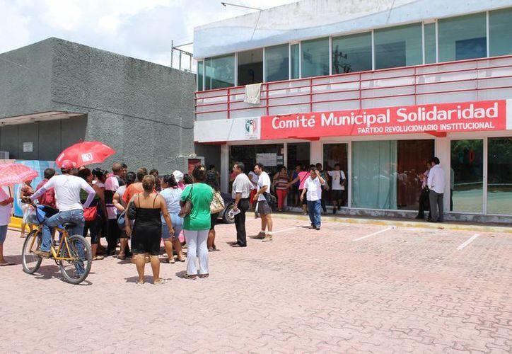 Un grupo de lideresas del PRI exigieron a la dirigencia local del partido un mejor trato.  (Juan Cano/SIPSE)