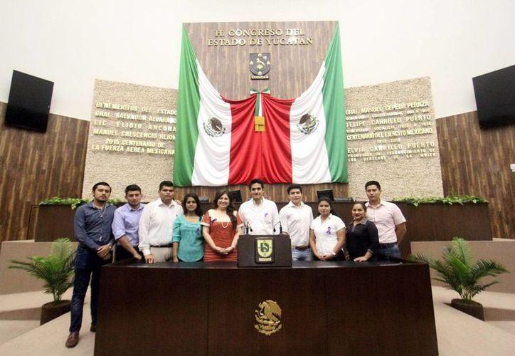 El Congreso del Estado de Yucatán modifica la Ley de acceso a las mujeres a una vida libre de violencia a favor de las embarazadas. (Milenio Novedades)