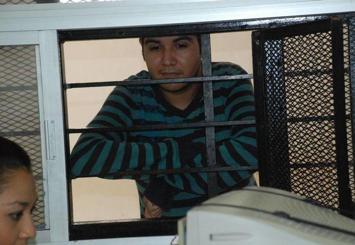 Miguel Antonio Alcocer Sánchez se dice inocente y asegura que su prima inventó lo del fraude. (SIPSE)