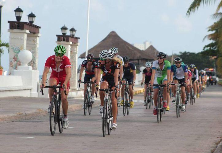 En el evento participarán triatletas en las categorías Amateurs y Élite. (Gustavo Villegas/SIPSE)