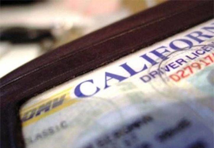 El estado de California prevé que 38 por ciento del 1.4 millón de solicitantes potenciales tramiten licencias en el primer año fiscal. (info7.mx)