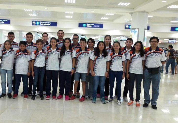 El equipo salió ayer del aeropuerto de Cancún a las 16:30 horas, con destino a Querétaro. (Redacción/SIPSE)