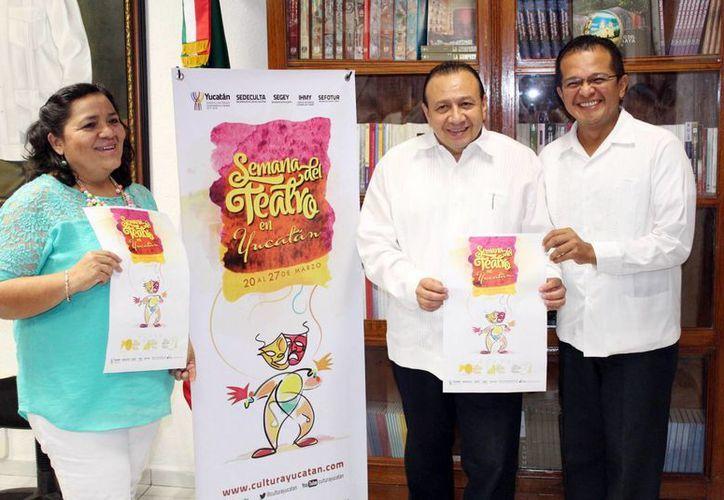 """Autoridades presentaron la """"Semana del Teatro en Yucatán"""". (Milenio Novedades)"""