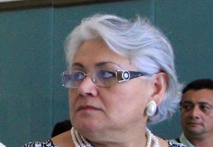 La delegada del Issste en Yucatán, Leticia Mendoza, agradeció la iniciativa del Gobierno del Estado para ceder al instituto un terreno. (SIPSE)