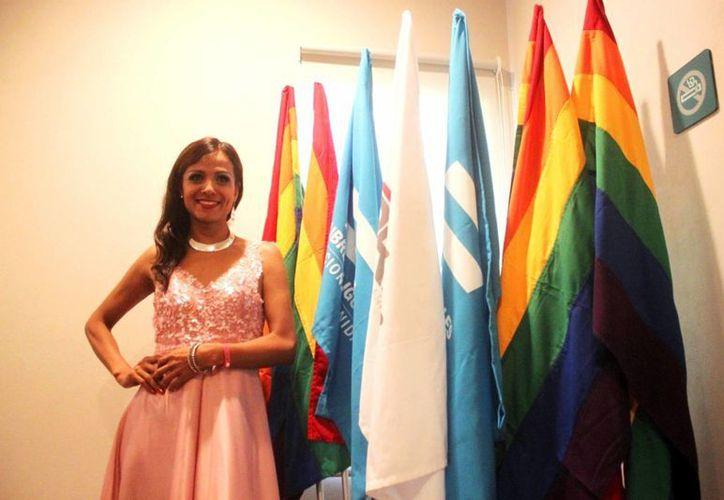 Morgana Love habla sobre la campaña 'Libres e iguales'. (Daniel Pacheco/ SIPSE)