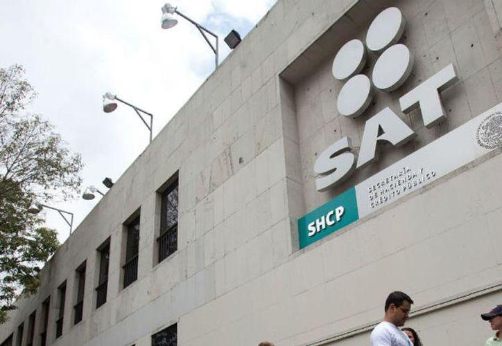La ley obliga a los empadronados a reportar al SAT las operaciones financieras  que estén fuera de la norma. (Vanguardia)