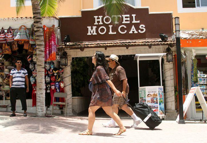 Esperan que todos los hoteles paguen el derecho de saneamiento ambiental. (Adrián Barreto/SIPSE)
