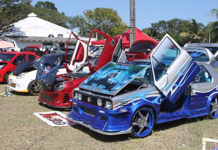Provenientes de Q. Roo, Yucatán, Tabasco, Campeche y Belice se congregaron en las categorías 'Tuning', 'Volkswagen', 'Open show', 'Euro' y 'SPL'. (Joel Zamora/SIPSE)