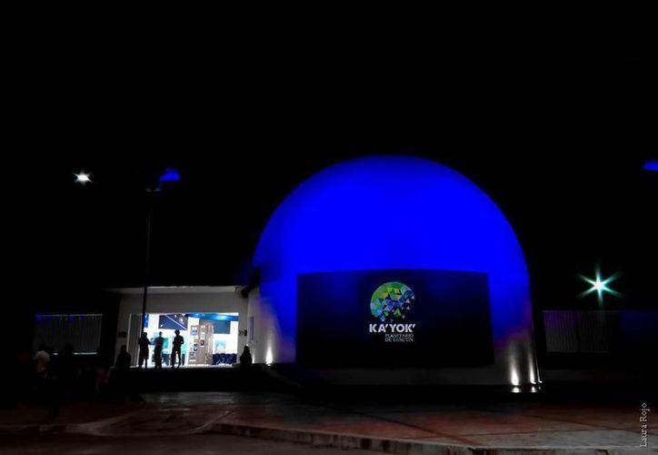 El Planetario de Cancún albergará este mes una degustación de pasteles, la presentación de un libro y una obra de teatro. (Facebook/Planetario de Cancún)