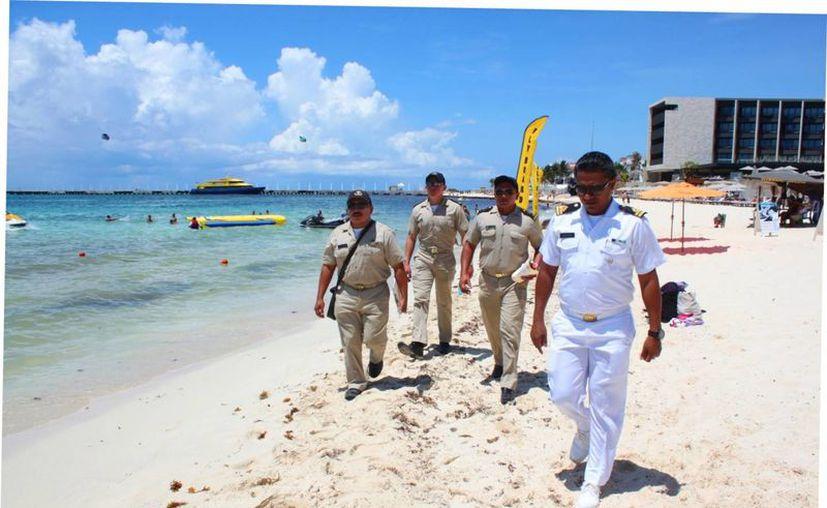 La vigilancia marítima se concentra en el operativo de seguridad del actual periodo vacacional. (Foto: Daniel Pacheco/SIPSE)