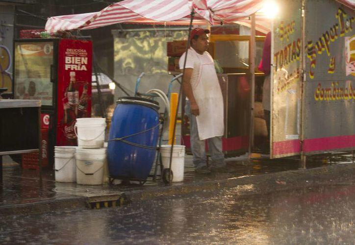 Las intensas y prolongadas lluvias continúan afectando varios estados del país, sobre todo donde existen ríos, que corren el riesgo de desbordarse. (Notimex/Foto de archivo)
