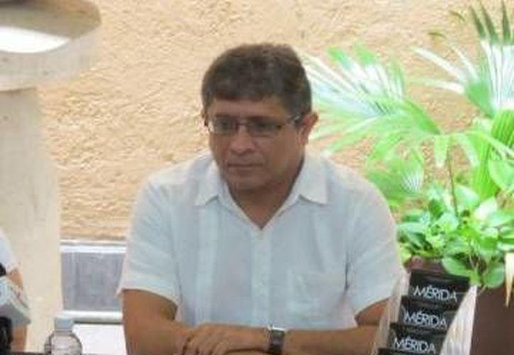 Irving Berlín Villafaña, director de cultura del Ayuntamiento de Mérida, se mostró satisfecho por la renovación del convenio entre ambos países. (Milenio Novedades)