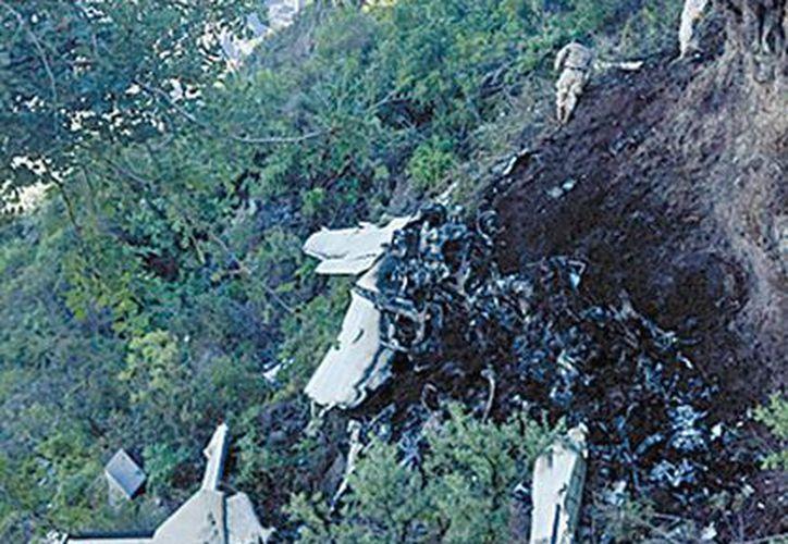 La avioneta se impactó en la sierra La Giganta. (Milenio)