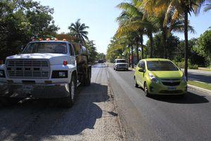 Se genera caos vial por pavimentación en la zona hotelera
