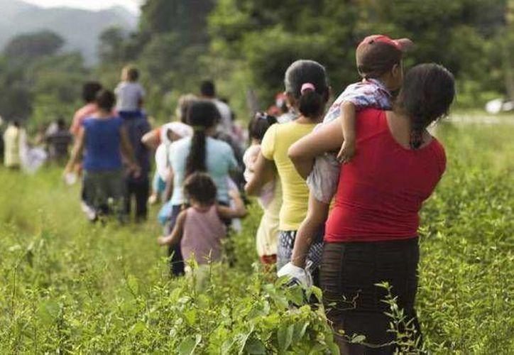En agosto de 2013, pobladores salieron de Ixtayotla, Guerrero, por temor al crimen organizado. (noticiasnet.mx)