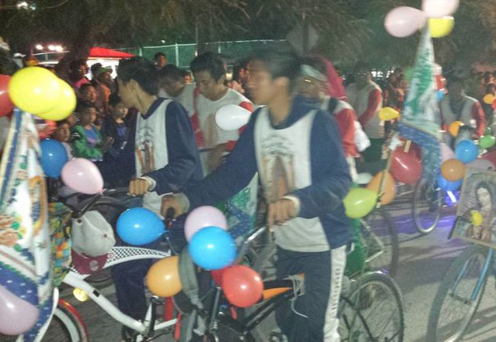 Los peregrinos acudieron a dar gracias a la Morenita. (Rossy López/SIPSE)
