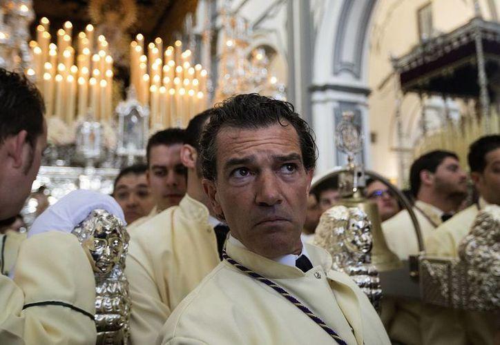 Antonio Banderas ha cumplido también este año con la Semana Santa de Málaga. (EFE)