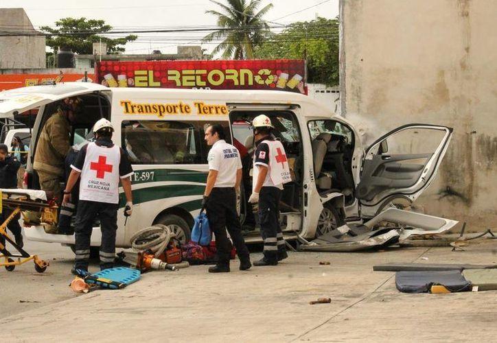 El accidente se registró en la avenida Rancho Viejo. (Eric Galindo/SIPSE)