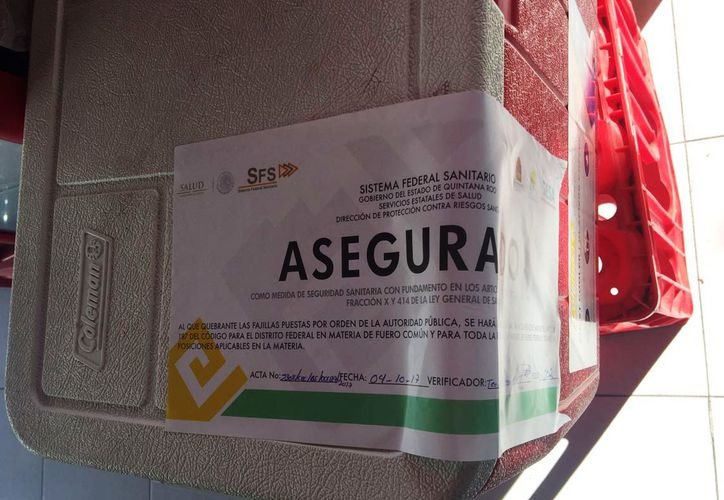 La Cofepris realizó las primeras cuatro suspensiones de venta de tortillas en tiendas de Playa del Carmen. (Foto: Octavio Martínez)
