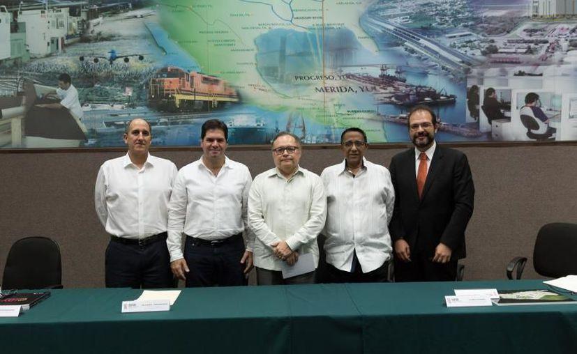 El Grupo San Francisco de Asís anunció este día la construcción del CIDY, un espacio con instalaciones de primer nivel y de uso mixto en materia logística (Foto de Gobierno del Estado de Yucatán)