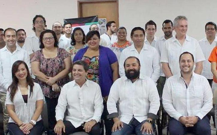 Delegación Yucatán que asistirá a la Semana Nacional del Emprendedor. (Milenio Novedades)