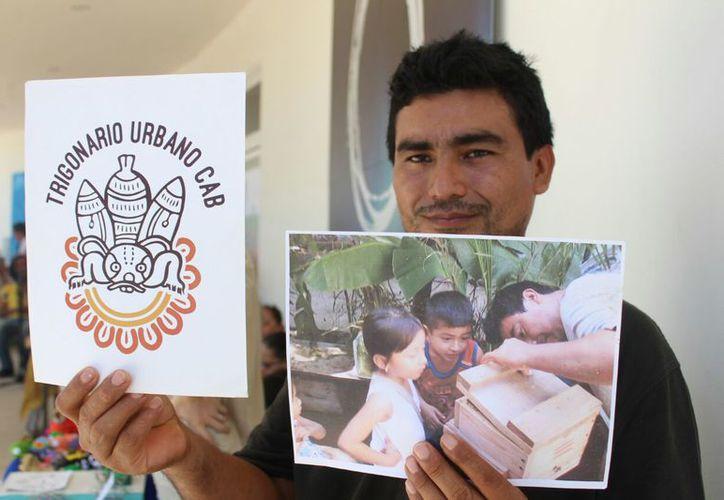 Efraín Cab Dorantes es el creador del primer Trigonario de abejas sin aguijón en Playa del Carmen. (Daniel Pacheco/SIPSE)