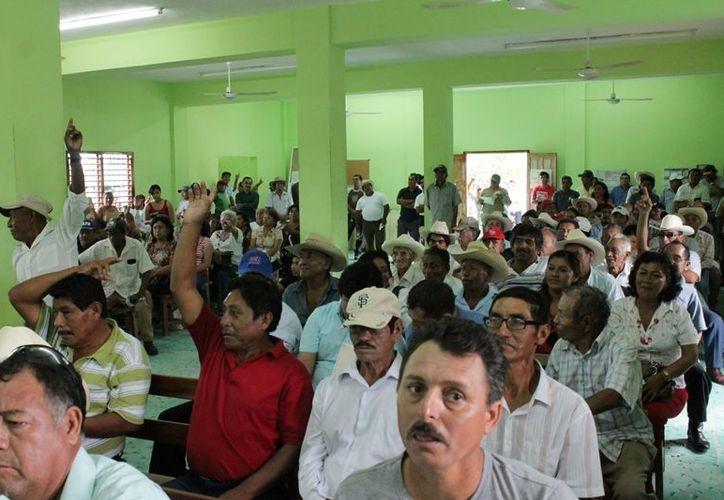 La mayoría de los ejidatarios de Juan Sarabia que asistió a la asamblea el pasado fin de semana manifestó su inconformidad por el litigio de un particular. (Edgardo Rodríguez/SIPSE)